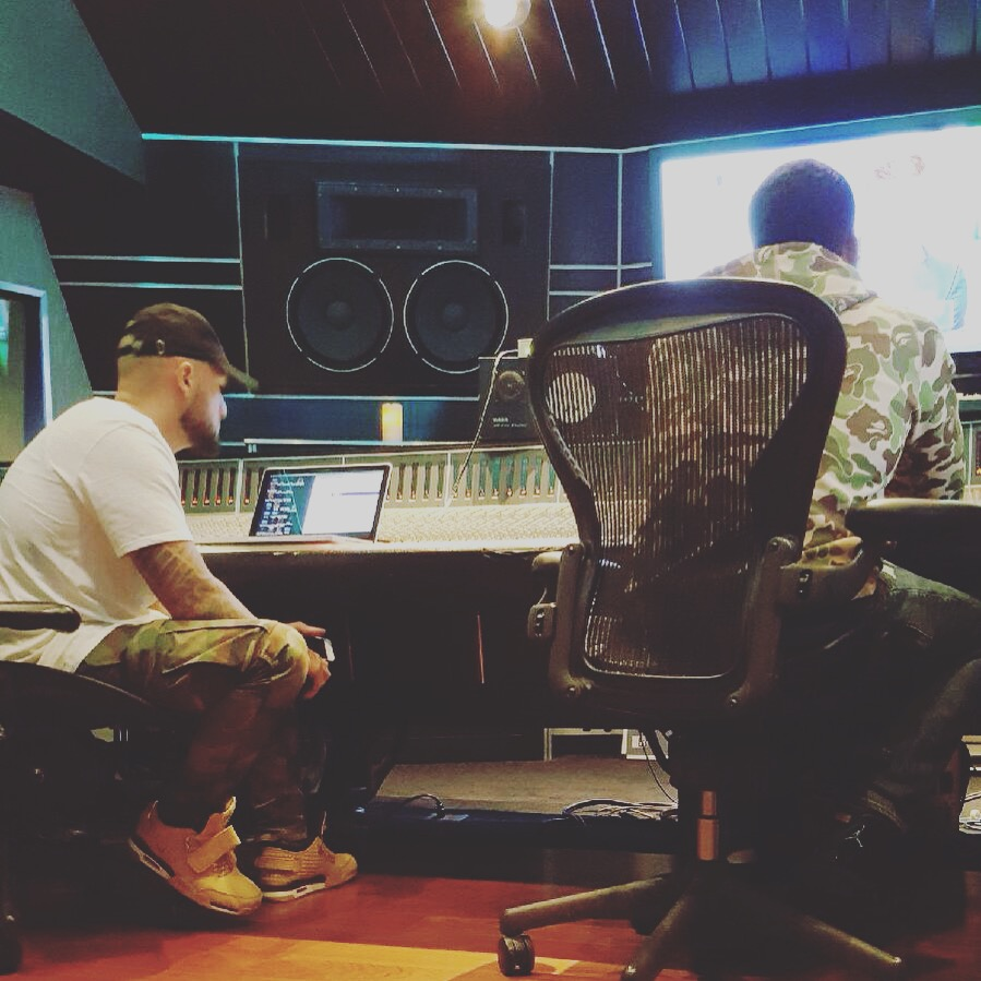 streetrunner-in-the-studio-with-meek-mill